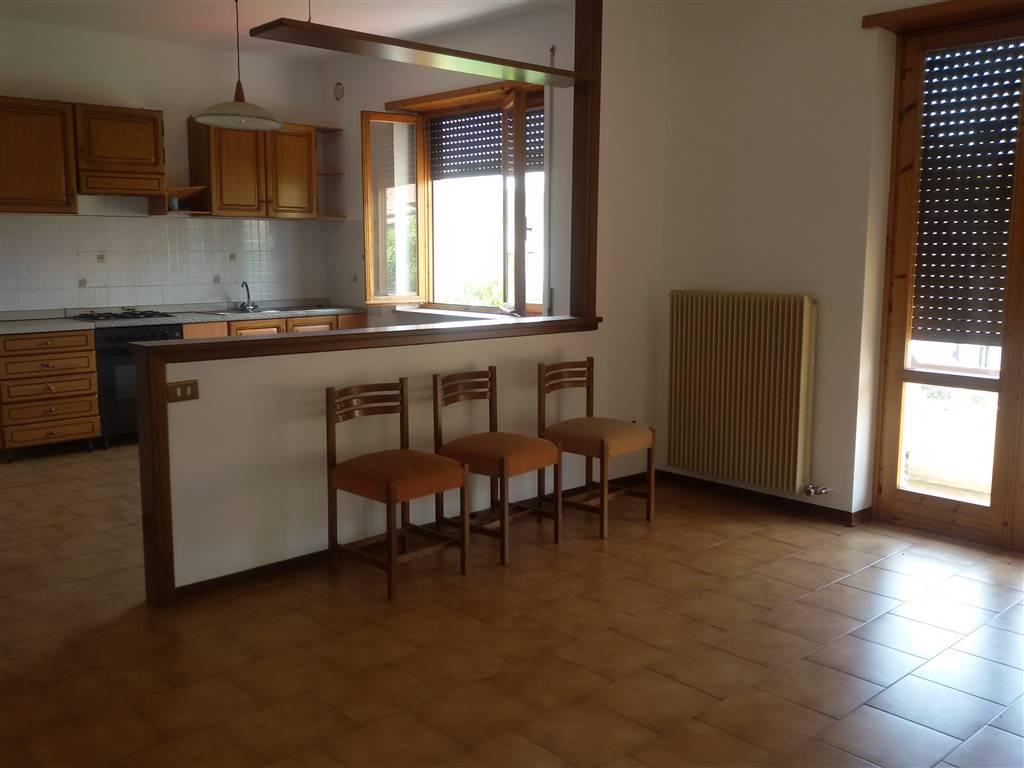 Appartamento in affitto a Caltrano, 4 locali, prezzo € 450 | Cambio Casa.it