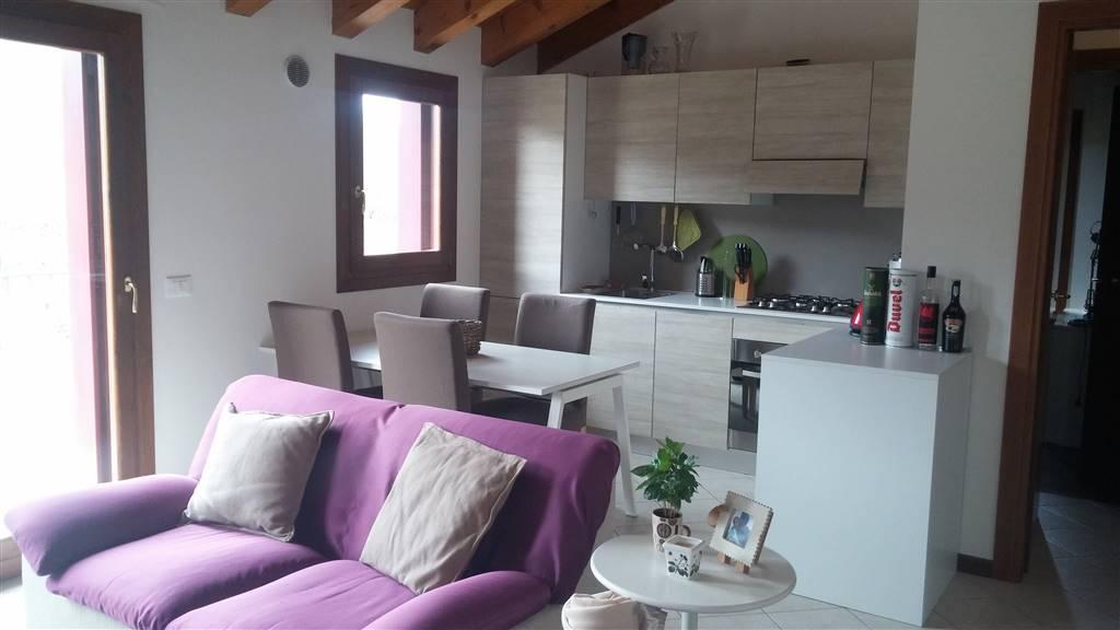 Appartamento in vendita a Zugliano, 4 locali, prezzo € 135.000 | Cambio Casa.it