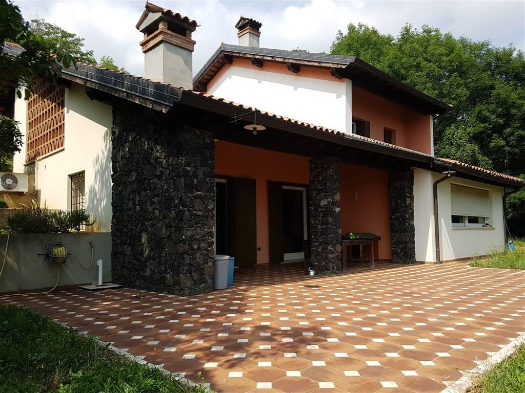 Villa in vendita a Carrè, 8 locali, prezzo € 420.000 | CambioCasa.it