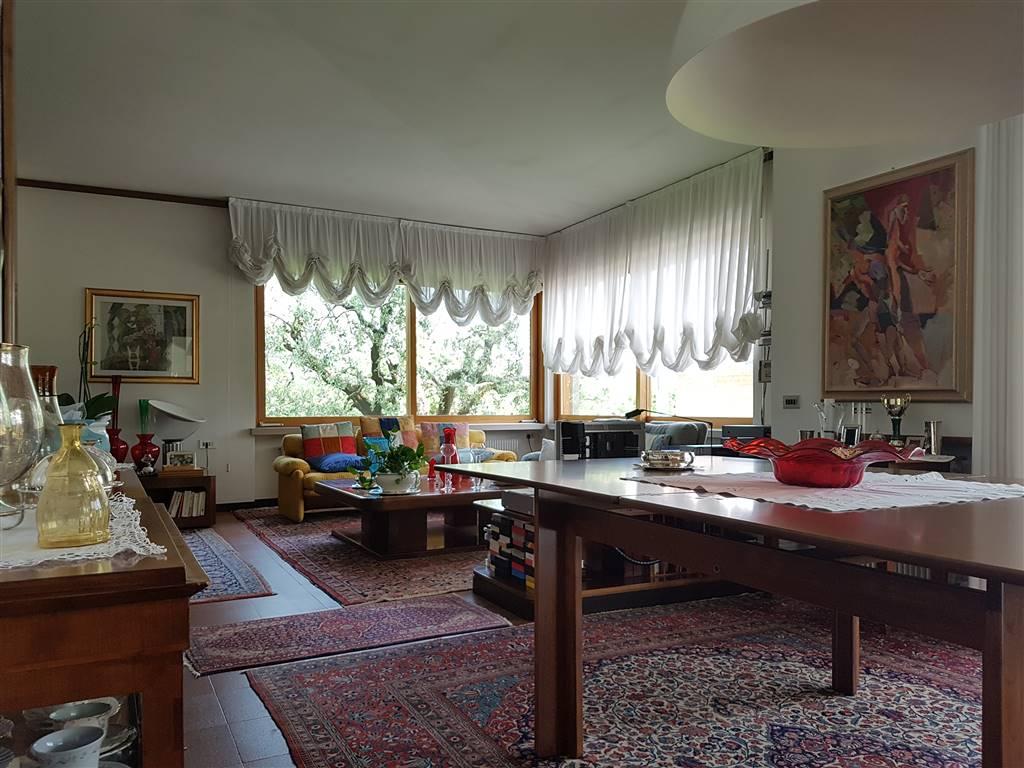 Villa in vendita a Thiene, 8 locali, zona Località: PISCINE, prezzo € 850.000 | CambioCasa.it