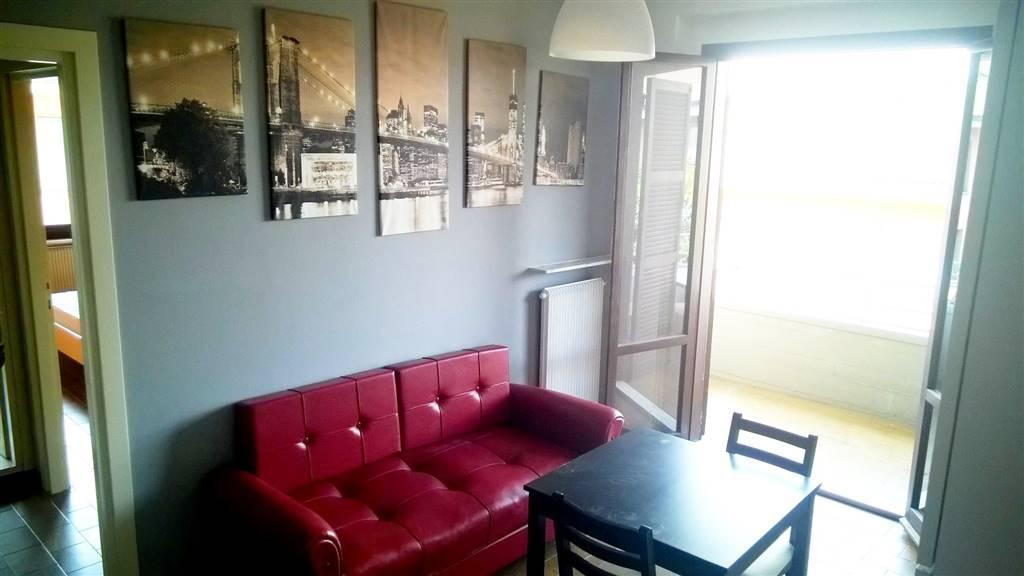 Appartamento in affitto a Parma, 2 locali, prezzo € 450 | CambioCasa.it