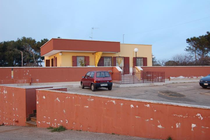 Villa vendita MARTINA FRANCA (TA) - 7 LOCALI - 150 MQ