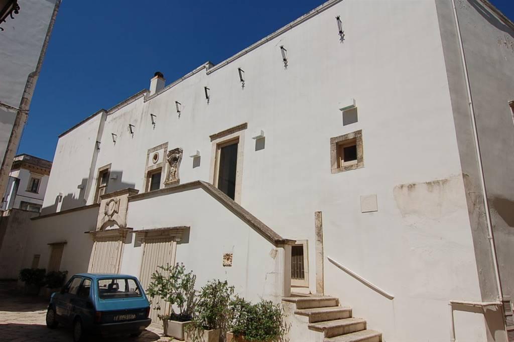 Palazzo / Stabile in vendita a Martina Franca, 10 locali, prezzo € 500.000 | CambioCasa.it