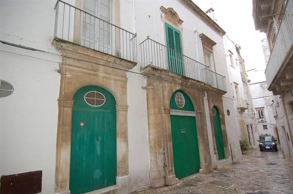 Palazzo / Stabile in vendita a Martina Franca, 11 locali, prezzo € 330.000 | CambioCasa.it