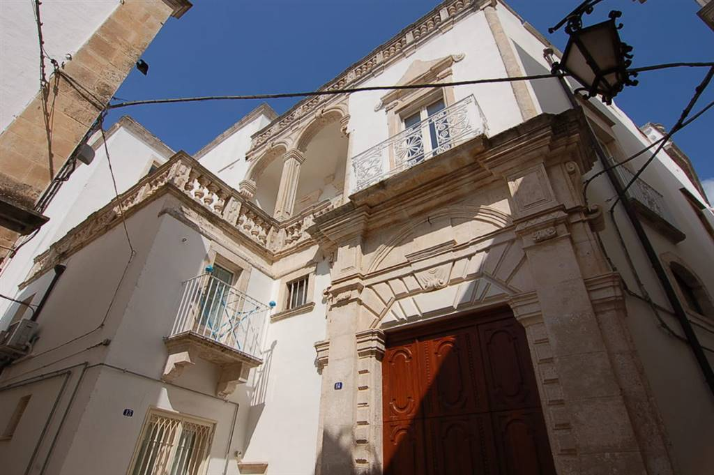 Palazzo / Stabile in vendita a Martina Franca, 9 locali, prezzo € 850.000 | CambioCasa.it