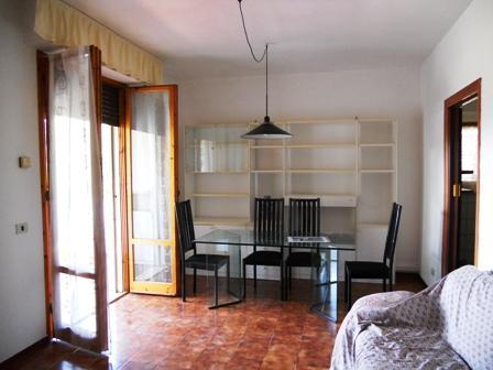 Appartamento in vendita a Sinalunga, 5 locali, prezzo € 115.000 | CambioCasa.it