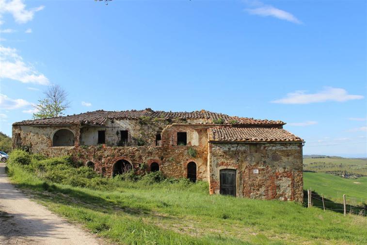 Rustico / Casale in vendita a Trequanda, 15 locali, prezzo € 500.000 | CambioCasa.it