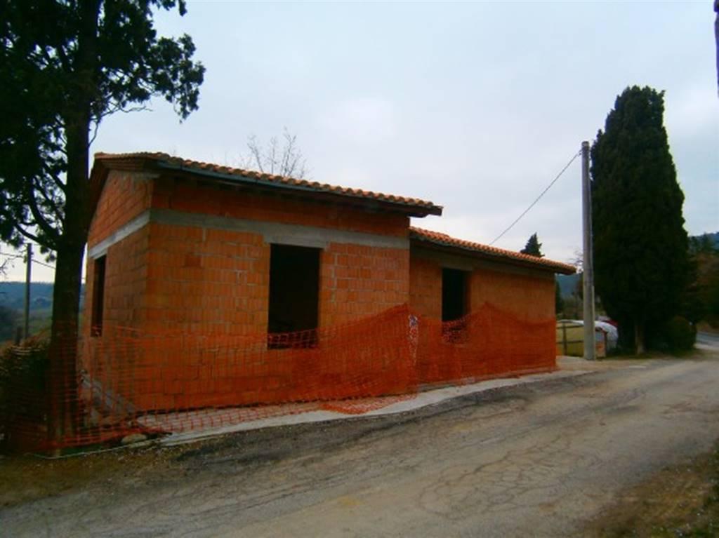 Rustico / Casale in vendita a Trequanda, 4 locali, zona Zona: Petroio, prezzo € 89.000 | CambioCasa.it