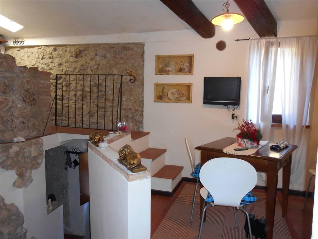Soluzione Indipendente in vendita a Sarteano, 4 locali, prezzo € 99.000 | Cambio Casa.it