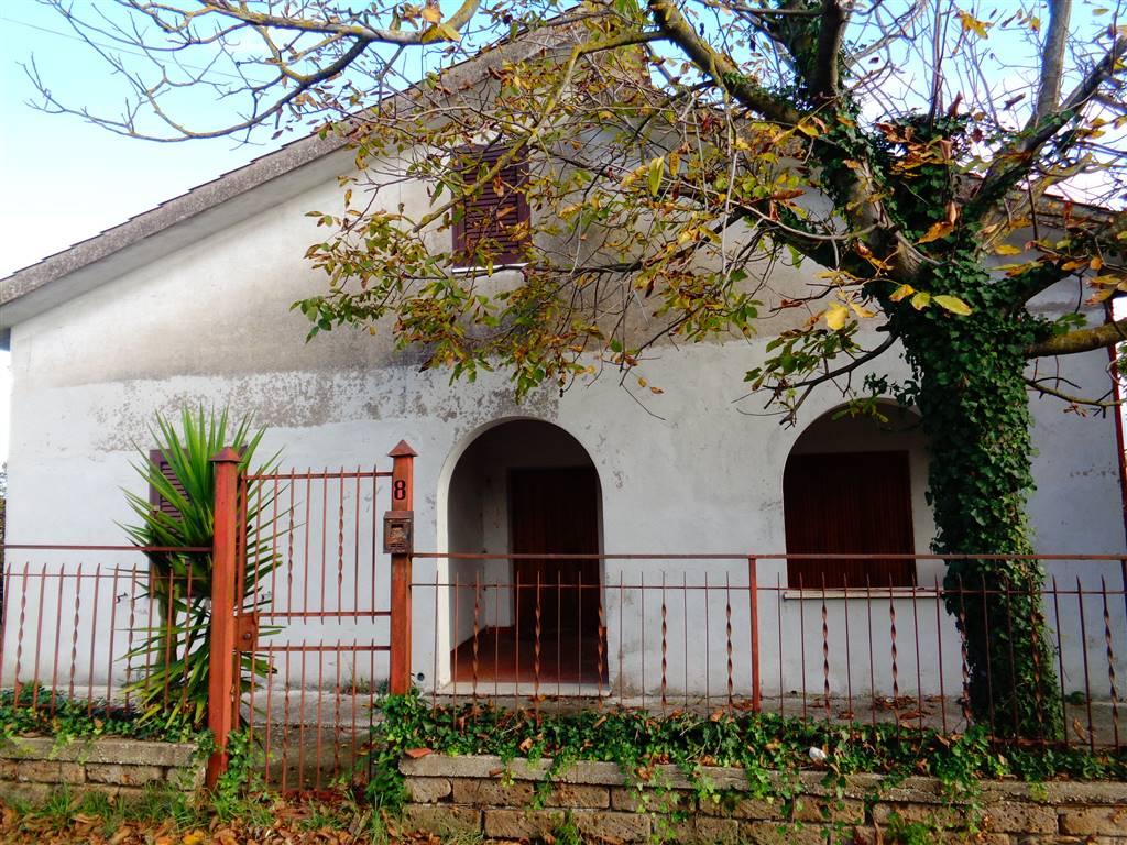 Villa in vendita a Torrita Tiberina, 4 locali, prezzo € 80.000 | Cambio Casa.it