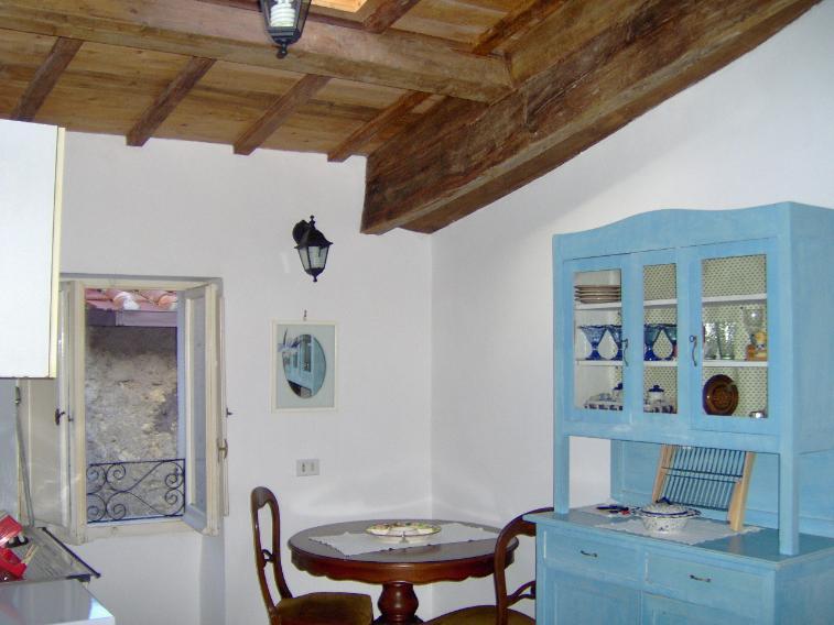 Appartamento in affitto a Civitella San Paolo, 2 locali, prezzo € 250 | CambioCasa.it