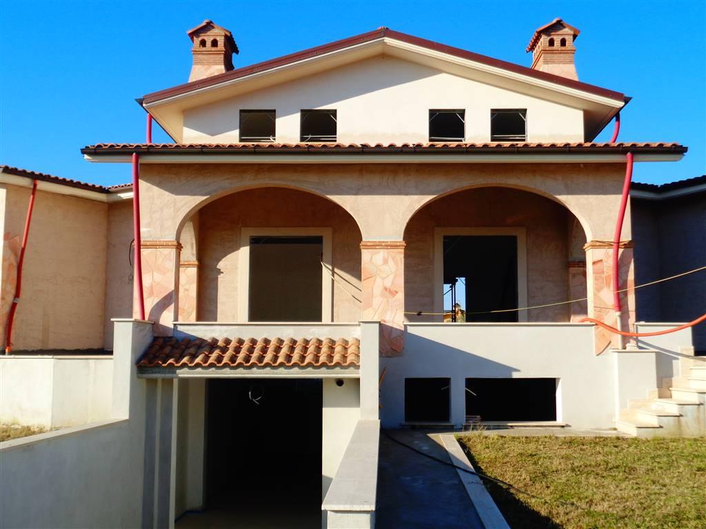 Villa in vendita a Fiano Romano, 5 locali, prezzo € 320.000   CambioCasa.it