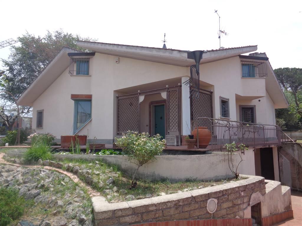 Villa in vendita a Monterotondo, 7 locali, prezzo € 629.000 | CambioCasa.it