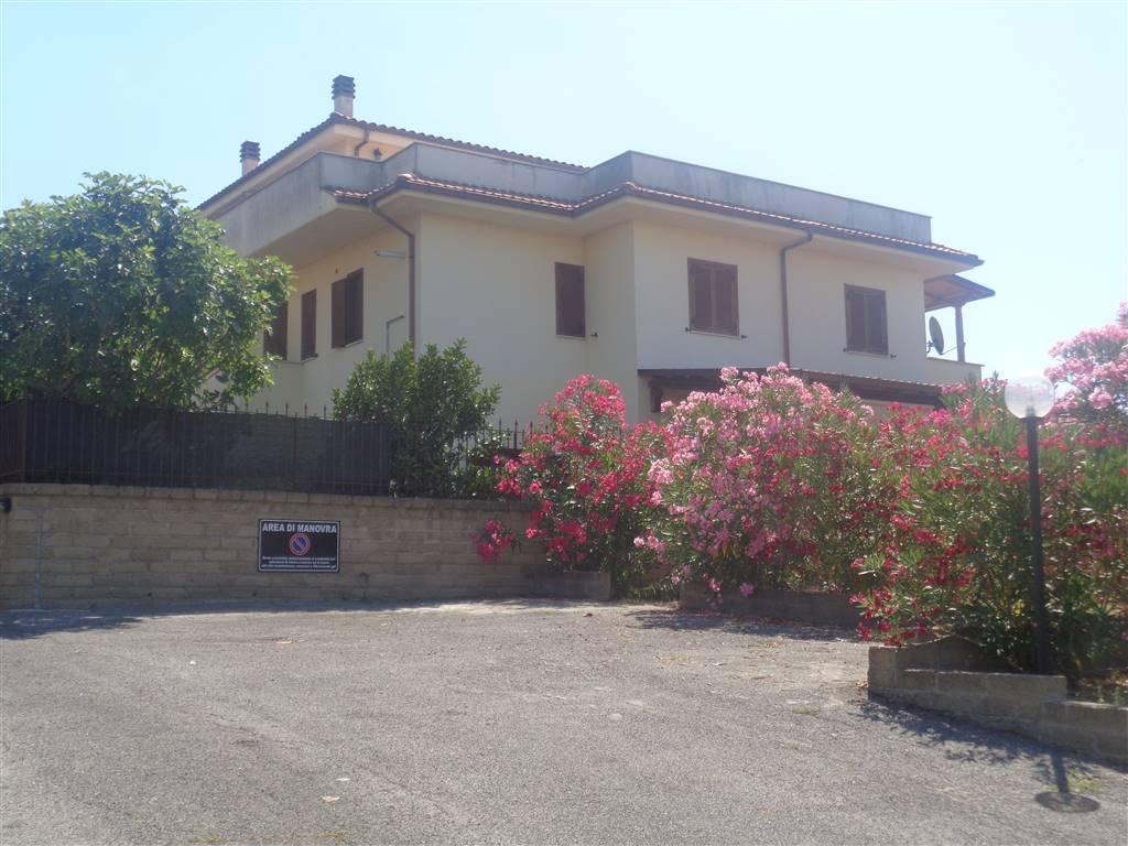 Appartamento in vendita a Fiano Romano, 3 locali, prezzo € 114.000 | CambioCasa.it