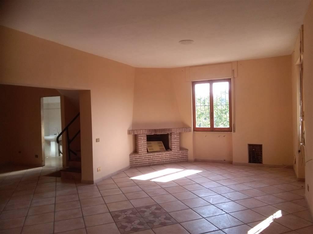 Villa in vendita a Ponzano Romano, 4 locali, prezzo € 100.000 | CambioCasa.it