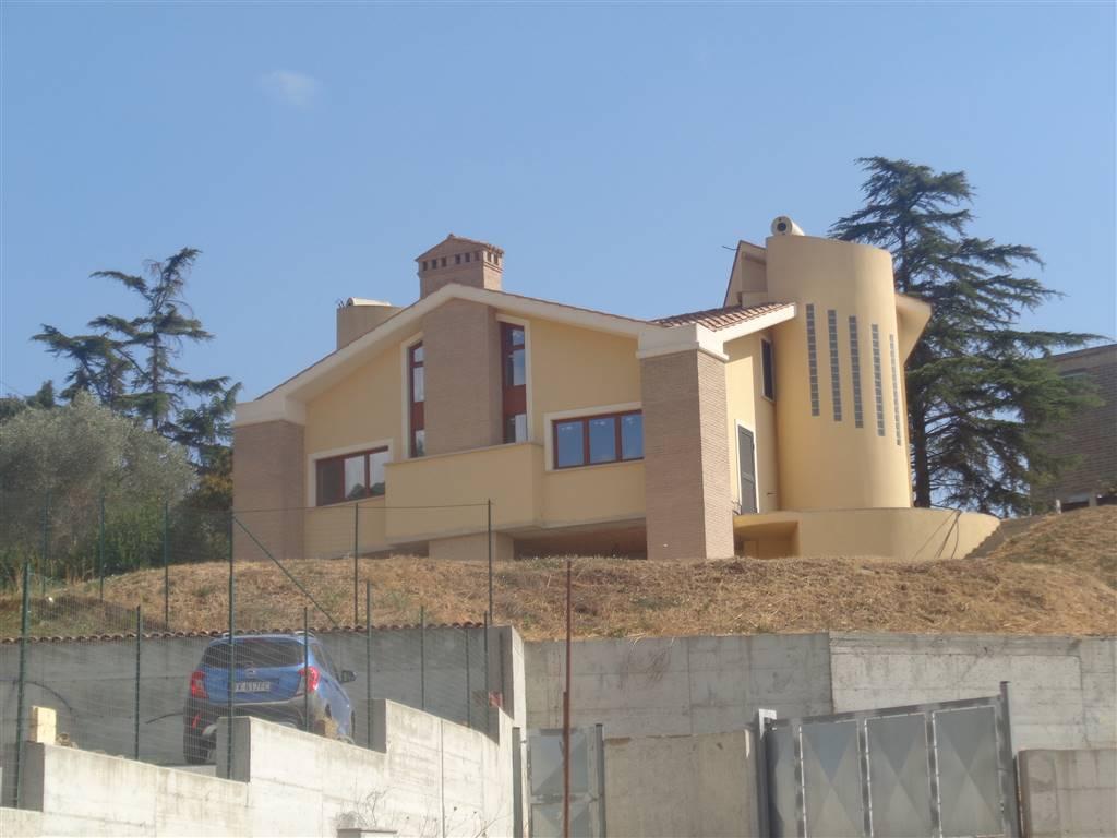 Villa Bifamiliare in vendita a Capena, 5 locali, zona Località: SELVOTTA, prezzo € 259.000 | CambioCasa.it
