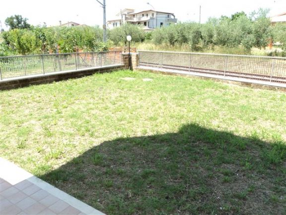 Villa a Schiera in vendita a San Vito Chietino, 7 locali, zona Zona: San Vito Capoluogo, prezzo € 185.000 | Cambio Casa.it
