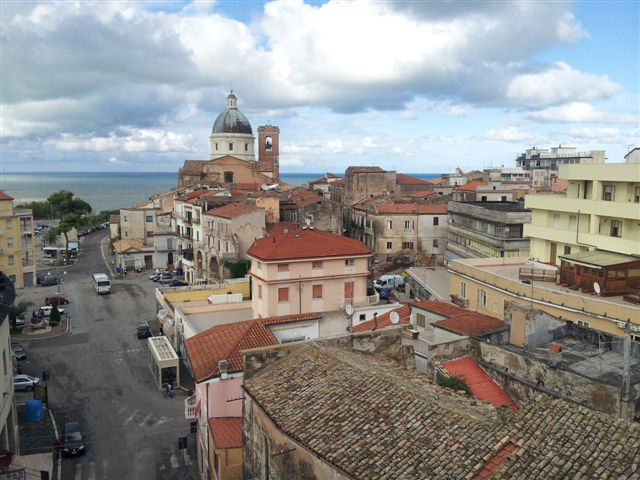 Appartamento in vendita a Ortona, 5 locali, zona Località: CENTRO, prezzo € 250.000 | CambioCasa.it