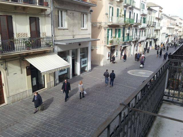 Negozio / Locale in affitto a Ortona, 1 locali, zona Località: CENTRO, prezzo € 550 | CambioCasa.it