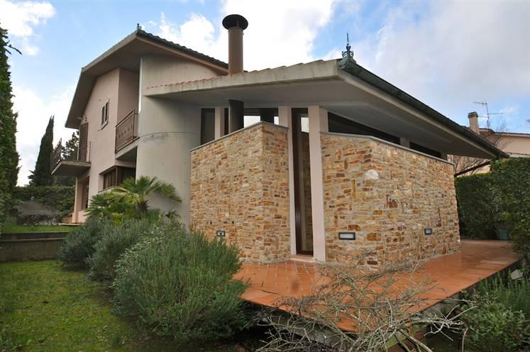 Villa in Vendita a Massa Marittima: 5 locali, 300 mq
