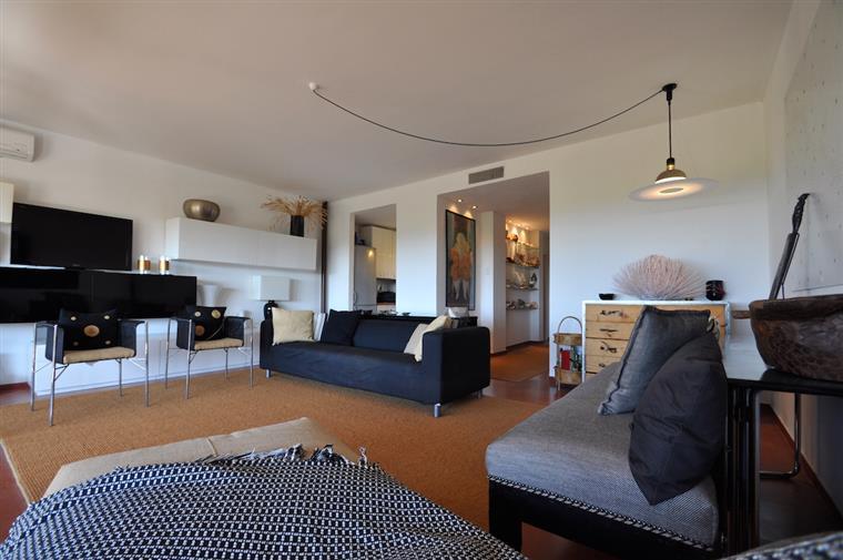 Appartamento di lusso in vendita a castiglione della for Planimetrie della cabina di lusso
