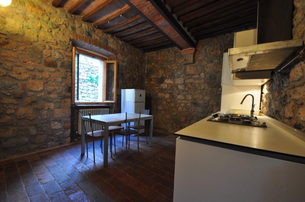 Appartamento in Vendita a Massa Marittima: 4 locali, 100 mq