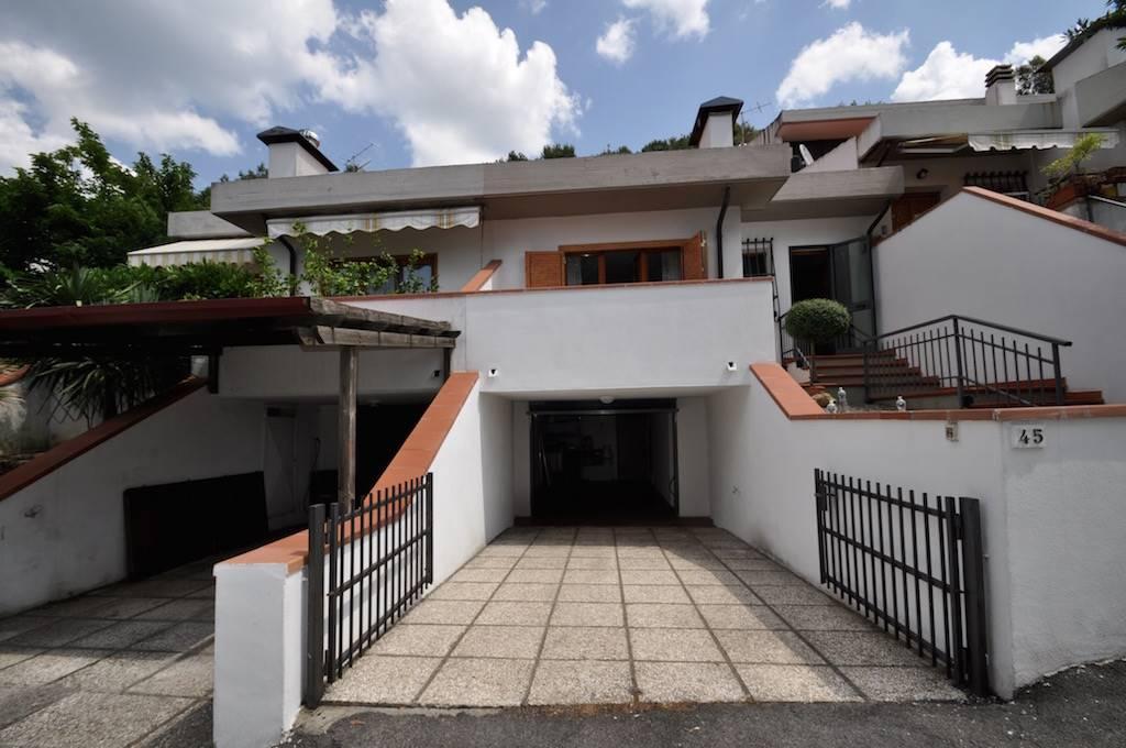 Casa indipendente in vendita a massa marittima trovocasa for Comprare garage indipendente
