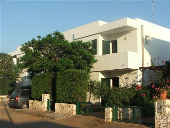 Villa vendita NARDO' (LE) - 6 LOCALI - 160 MQ