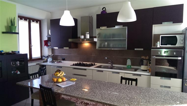 Soluzione Indipendente in affitto a Zeccone, 4 locali, prezzo € 750 | CambioCasa.it