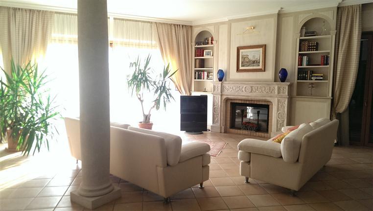 Villa in vendita a Vidigulfo, 5 locali, zona Località: FRAZIONI: MANDRINO, Trattative riservate | Cambio Casa.it
