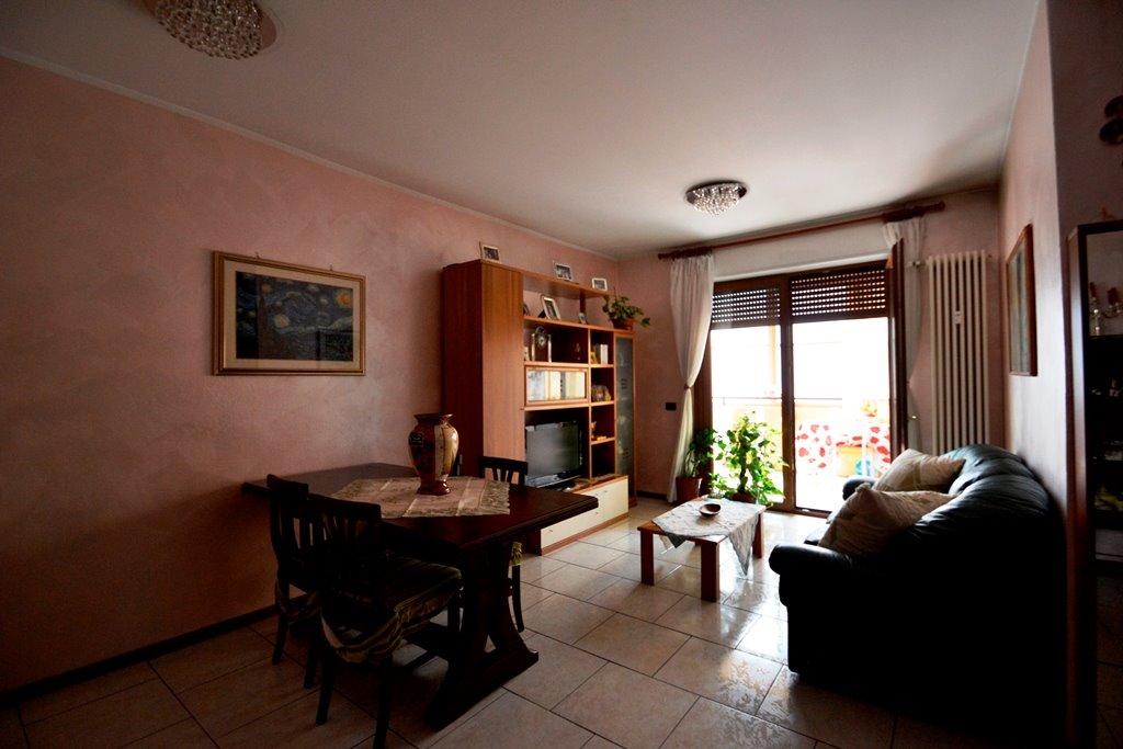 Appartamento in vendita a Pieve Emanuele, 3 locali, prezzo € 129.000 | Cambio Casa.it