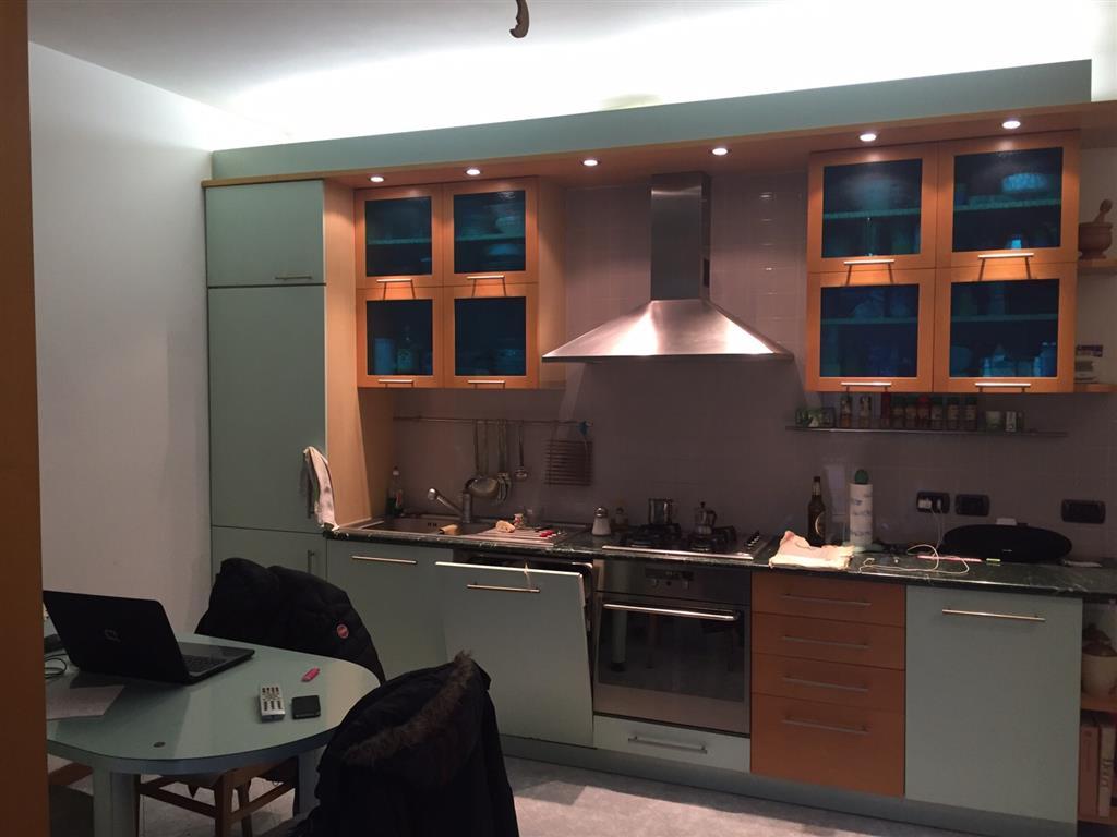 Appartamento in vendita a Locate di Triulzi, 2 locali, zona Località: MORO DI LOCATE, prezzo € 179.000 | Cambio Casa.it