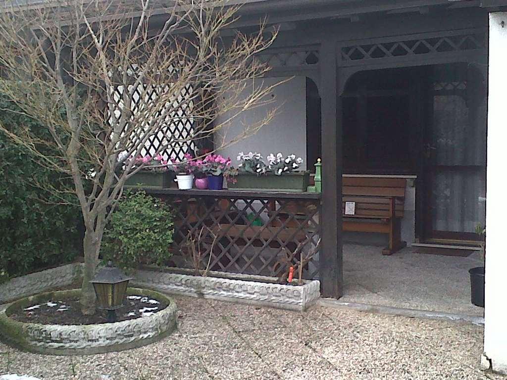 Villa a Schiera in vendita a Pieve Emanuele, 4 locali, prezzo € 320.000 | Cambio Casa.it