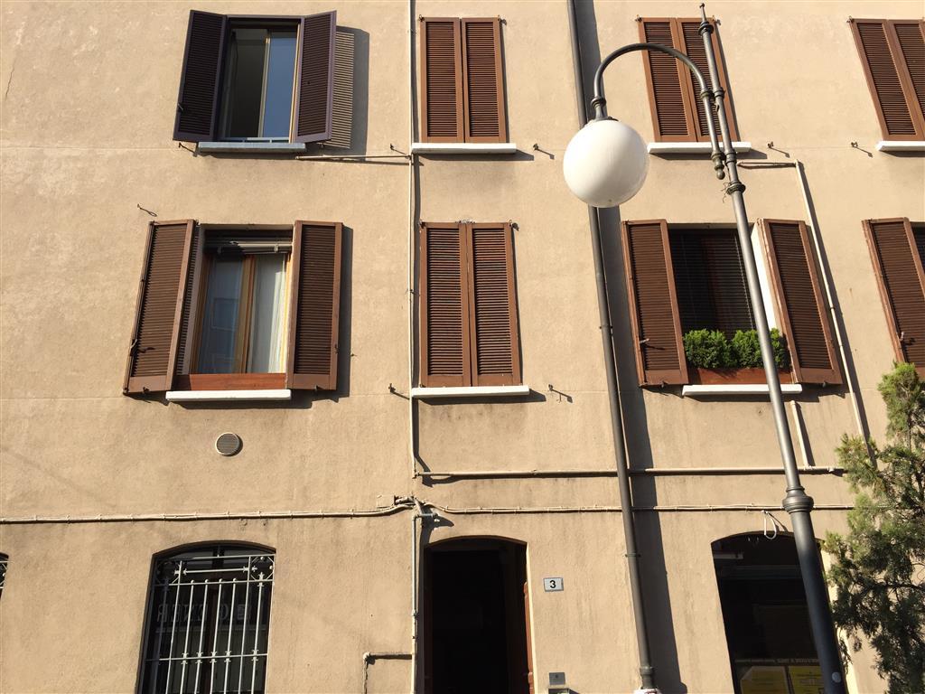Appartamento in vendita a Locate di Triulzi, 3 locali, prezzo € 90.000 | Cambio Casa.it