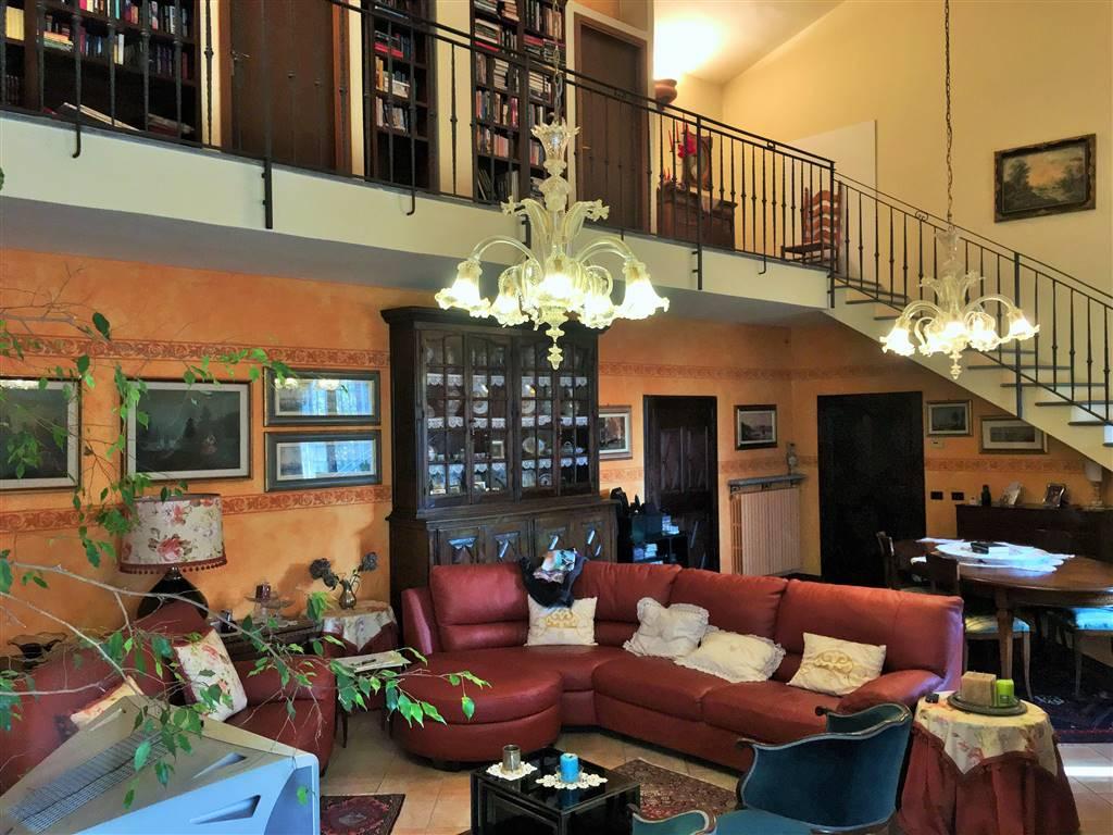 Villa in Vendita a San Genesio ed Uniti