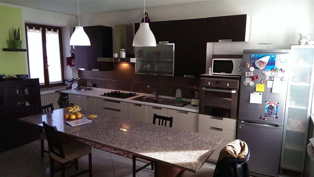 Appartamento in vendita a Zeccone, 4 locali, prezzo € 159.000 | Cambio Casa.it