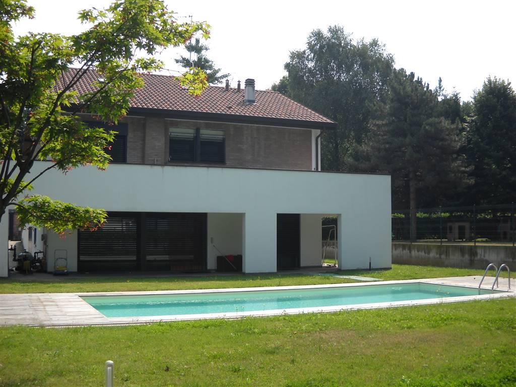 Villa in vendita a Lacchiarella, 7 locali, prezzo € 790.000 | Cambio Casa.it
