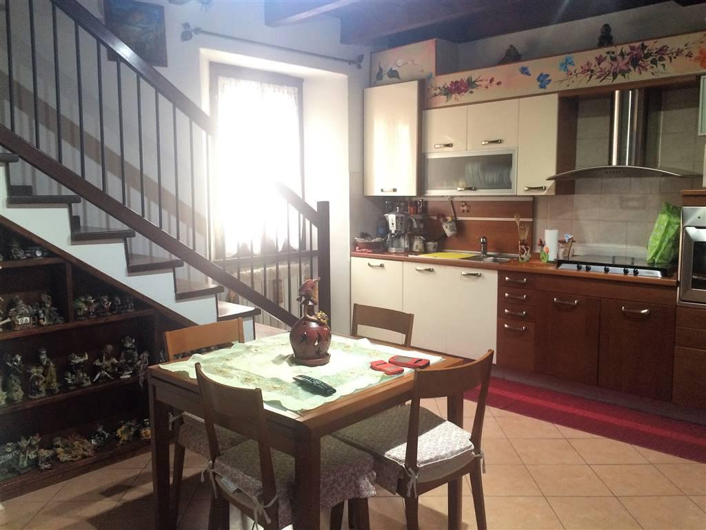 Appartamento in vendita a Lacchiarella, 3 locali, prezzo € 145.000 | Cambio Casa.it
