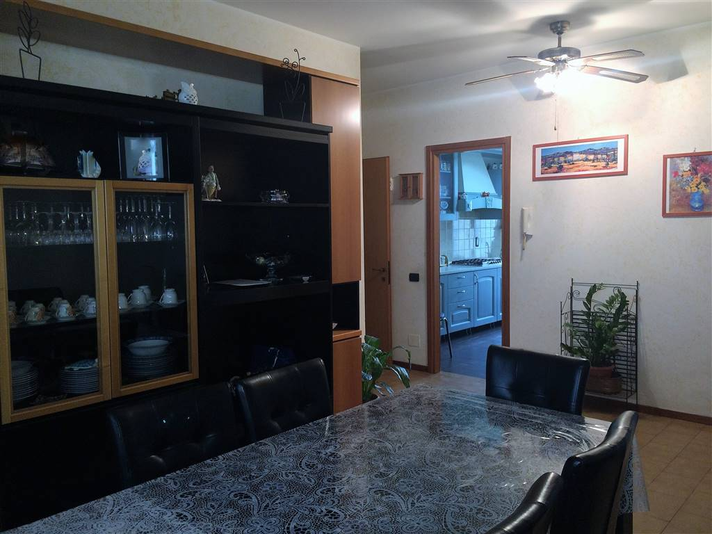 Appartamento in vendita a Pieve Emanuele, 4 locali, prezzo € 149.000 | CambioCasa.it