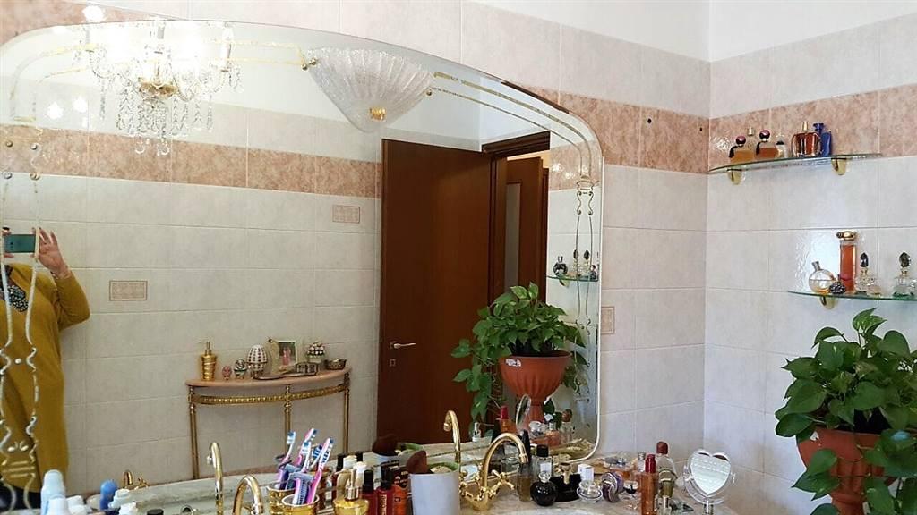 Appartamento in vendita a Pieve Emanuele, 3 locali, prezzo € 199.000 | CambioCasa.it