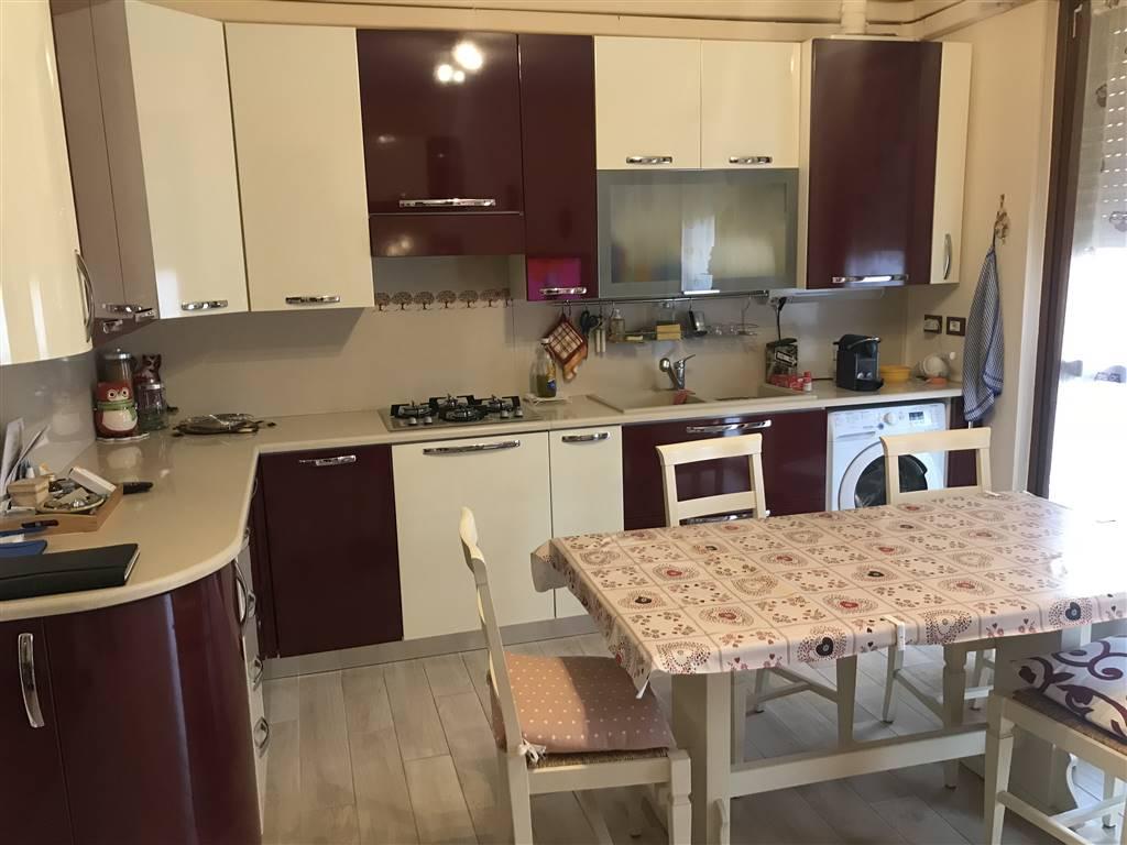 Appartamento in vendita a Pieve Emanuele, 4 locali, prezzo € 185.000 | CambioCasa.it