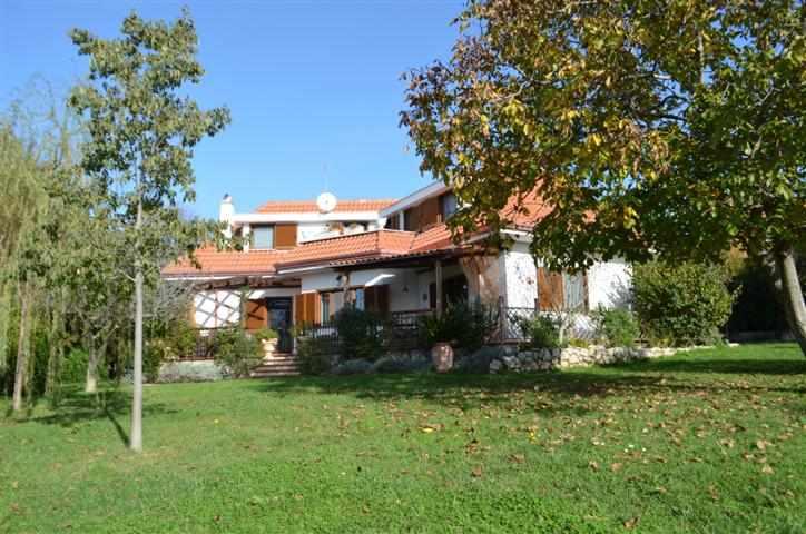 Villa in Vendita a Nerola