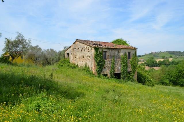 Rustico / Casale in vendita a Montebuono, 7 locali, zona Località: SPEZZANO, prezzo € 58.000 | CambioCasa.it