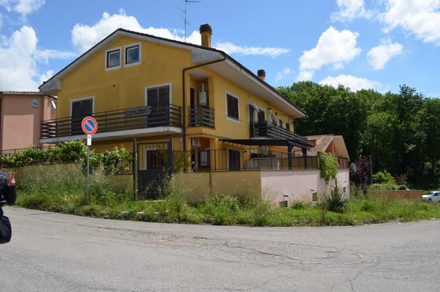 Appartamento in vendita a Forano, 5 locali, zona Località: GAVIGNANO SABINO, prezzo € 79.000 | CambioCasa.it