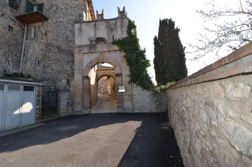 Appartamento in Vendita a Calvi dell'Umbria