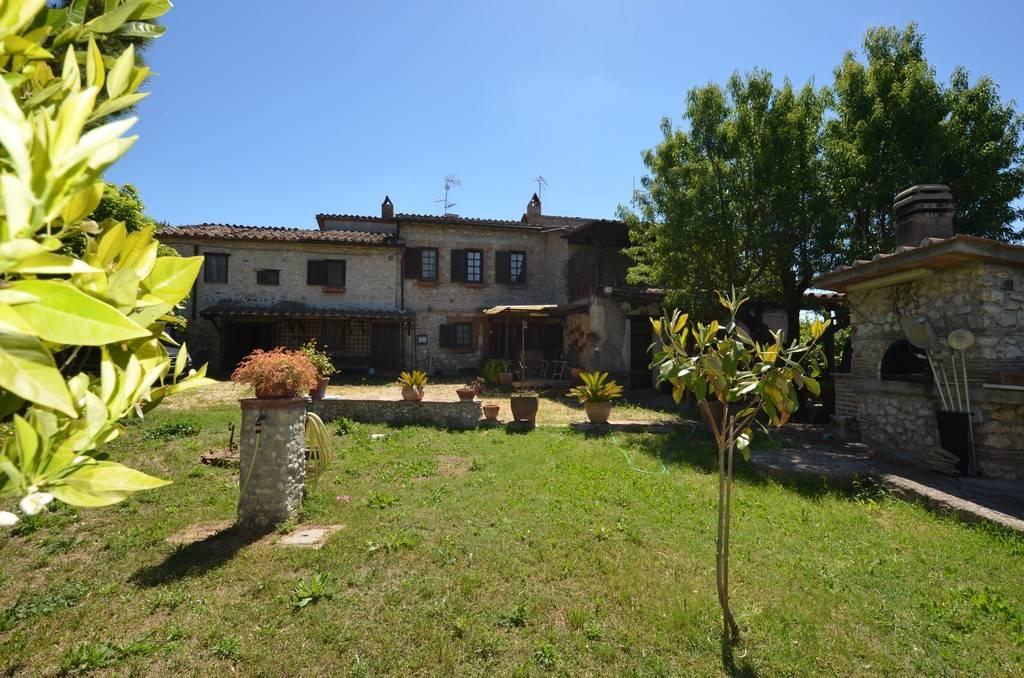 Rustico / Casale in vendita a Narni, 10 locali, zona Zona: Gualdo, prezzo € 135.000 | CambioCasa.it