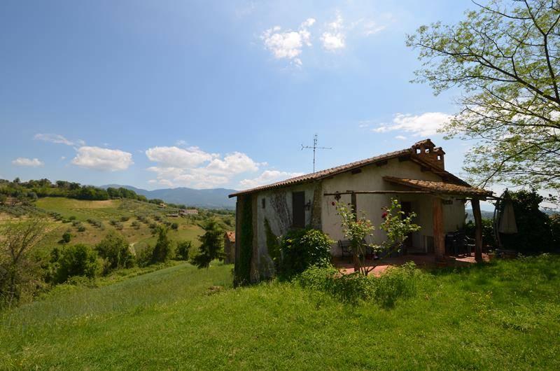 Rustico / Casale in vendita a Tarano, 6 locali, zona Zona: San Polo, prezzo € 190.000   CambioCasa.it