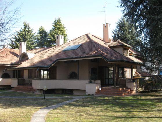Villa-Villetta  in Vendita a Gerenzano