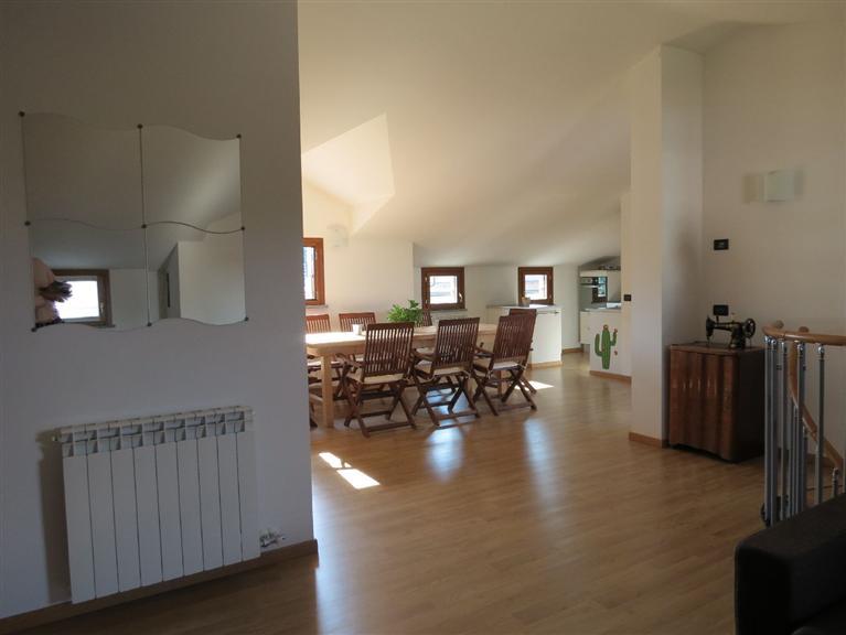 Attico / Mansarda in vendita a Saronno, 5 locali, zona Zona: Cascina ferrara, prezzo € 375.000 | Cambio Casa.it