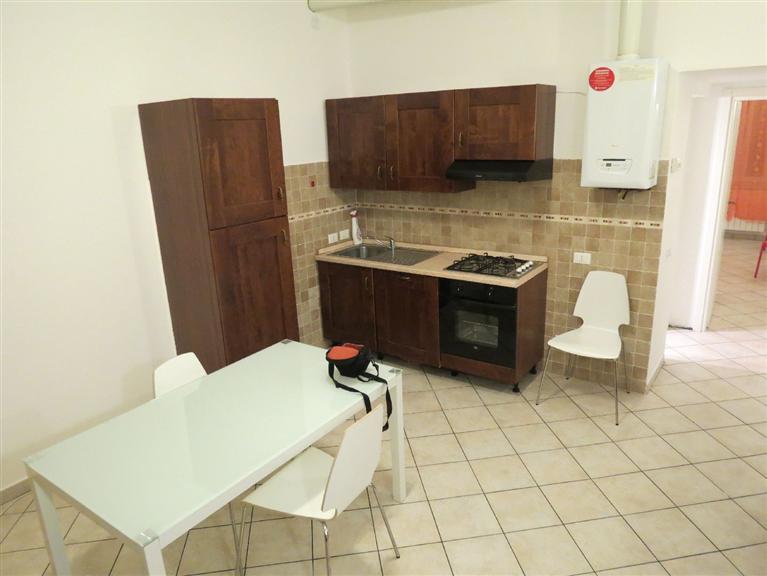 Appartamento in affitto a Gerenzano, 2 locali, prezzo € 425 | Cambio Casa.it
